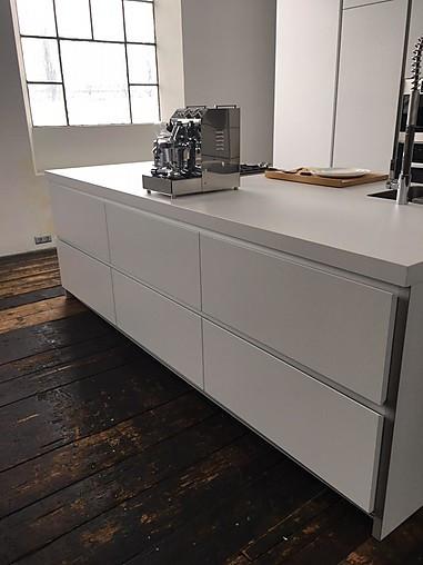 bulthaup musterk che freistehende insel ausstellungsk che in innsbruck von mg interior. Black Bedroom Furniture Sets. Home Design Ideas