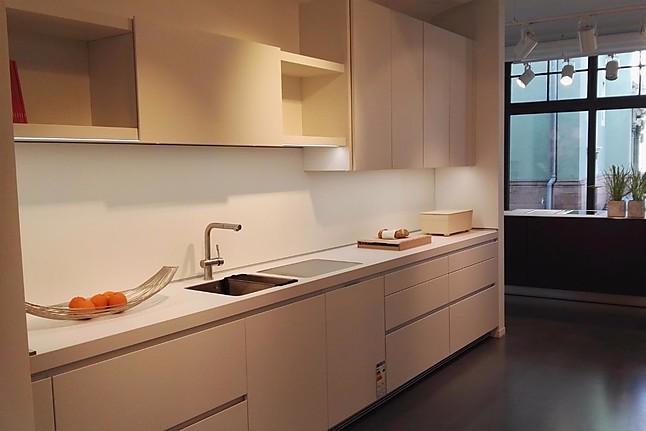 bulthaup musterk che pigmentlack alpinwei ausstellungsk che in freiburg von die k che. Black Bedroom Furniture Sets. Home Design Ideas