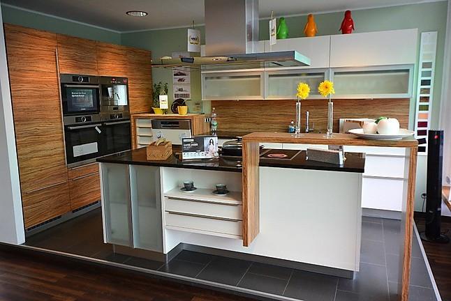 Eckkuche Mit Kochinsel
