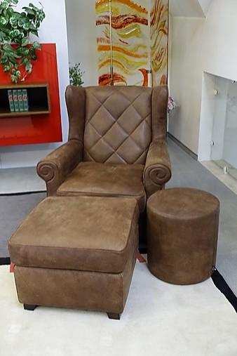 sessel humphrey retro ohrensessel mit abgesteppter r ckenfl che und quadratischem hocker tommy. Black Bedroom Furniture Sets. Home Design Ideas