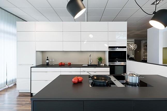 h cker musterk che lust auf landhaus ausstellungsk che in. Black Bedroom Furniture Sets. Home Design Ideas
