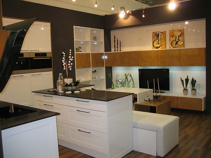 schmidt k chen musterk che aus ausstellungsk chen abverkauf ausstellungsk che in wien von. Black Bedroom Furniture Sets. Home Design Ideas