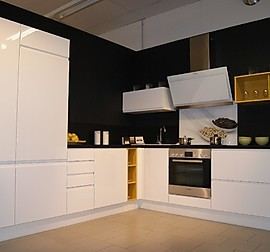 nobilia musterk che nobilia ausstellungsk che in ampass von innenraum. Black Bedroom Furniture Sets. Home Design Ideas