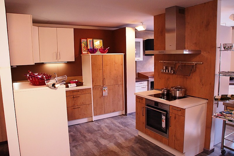 einbauk che mit ecksp le kreative ideen ber home design. Black Bedroom Furniture Sets. Home Design Ideas
