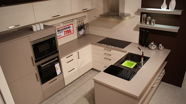 sch ller musterk che wundersch ne design u k che mit top siemens und miele ger ten. Black Bedroom Furniture Sets. Home Design Ideas